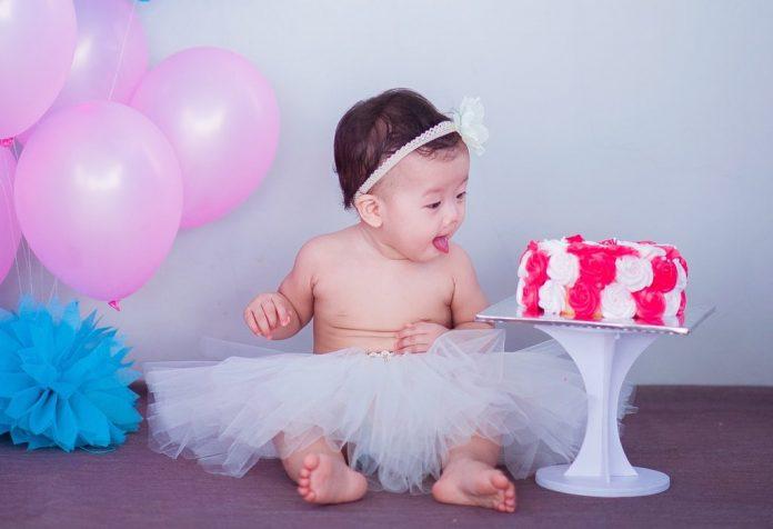 5 Full Blown Ideas to Celebrate Baby's Half Birthday!