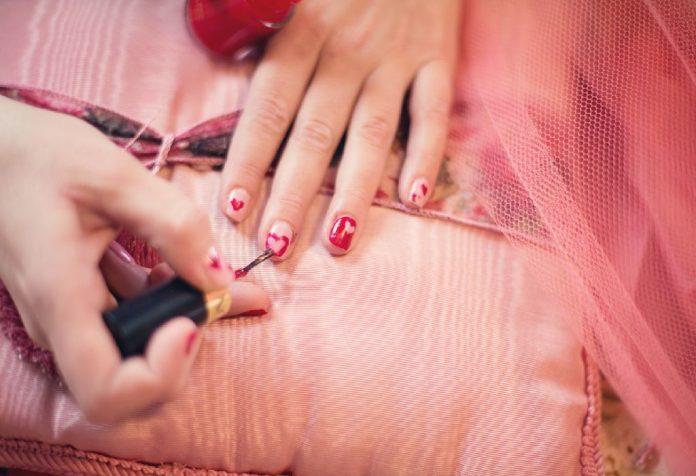 Nail polish tips for women