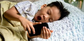 10 Very Important Things Parents MUST Do To Prevent Gadget Addiction in Kids!