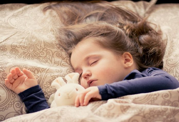 Tips to Prepare Toddlers to Sleep in New Environments