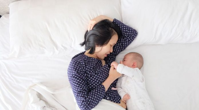 Will Your Baby's Teething Interfere With Breastfeeding