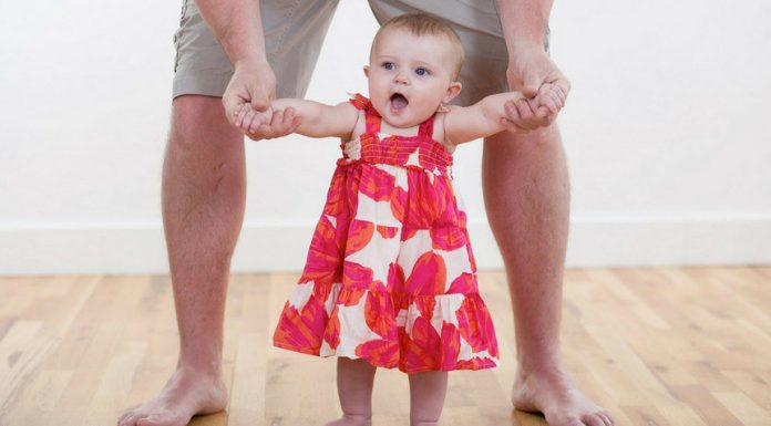 Stop believing these myth about baby walking