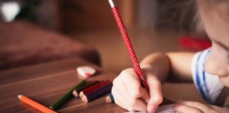 how to confirm left or right handedness in kids