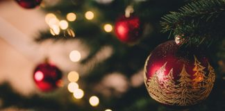 6 Christmassy Tips When You're Expecting