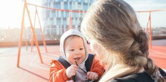 8 Funny Moms you Meet at the Playground
