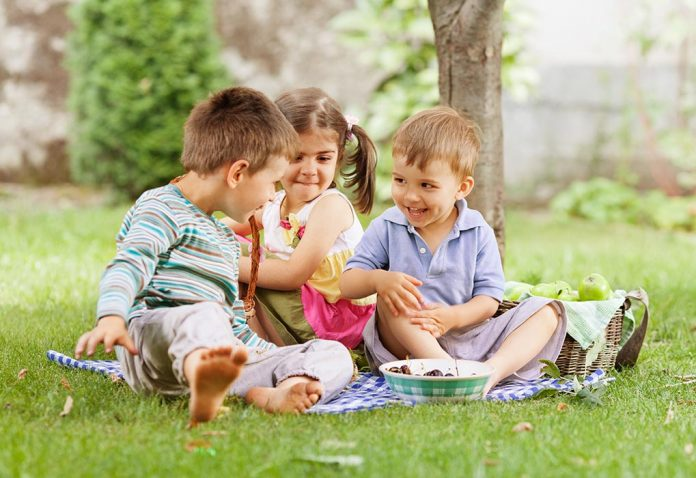 6 Easy and Fun Picnic Games for Kids
