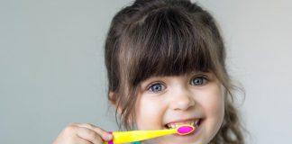 10 Fun Ways to Get Toddlers to Brush their Teeth