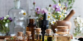 Essential Oils for Breastfeeding Moms - Benefits and Cautionary Tips