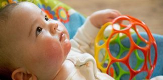 soothe comfort your baby using music