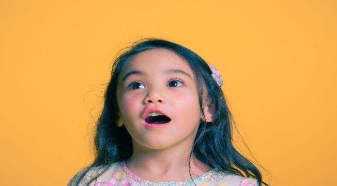 how-talking-and-listening-skills-develop-in-preschoolers