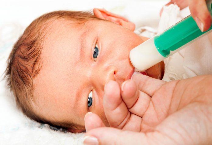 बेबी को सिरिंज से कैसे फीड कराएं?