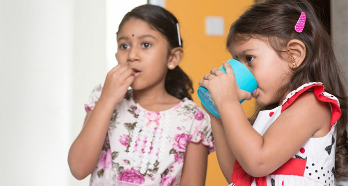simple ways to switch your kids to a big kid cup