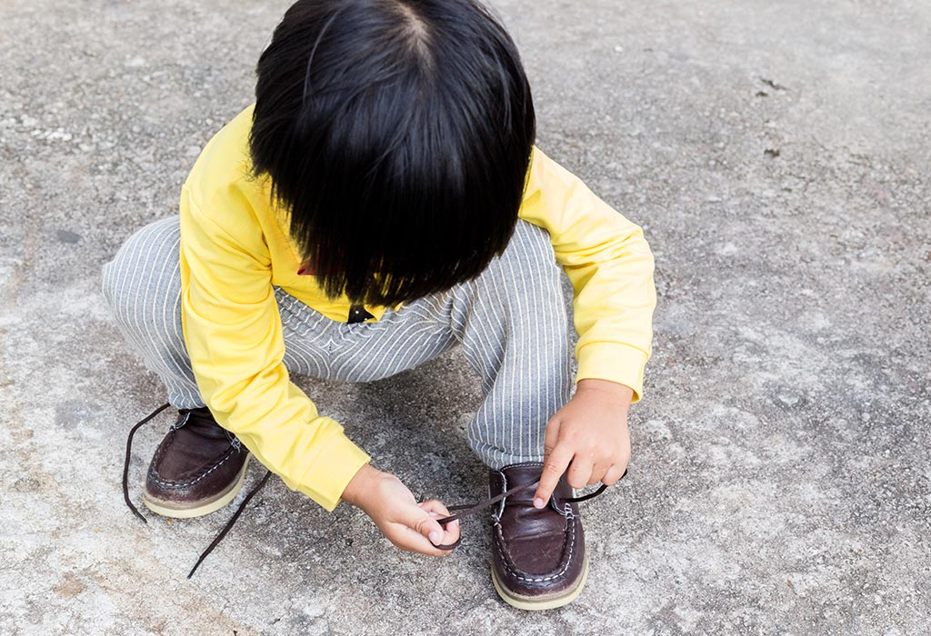 Teaching Kids to Tie Shoelaces - When and How