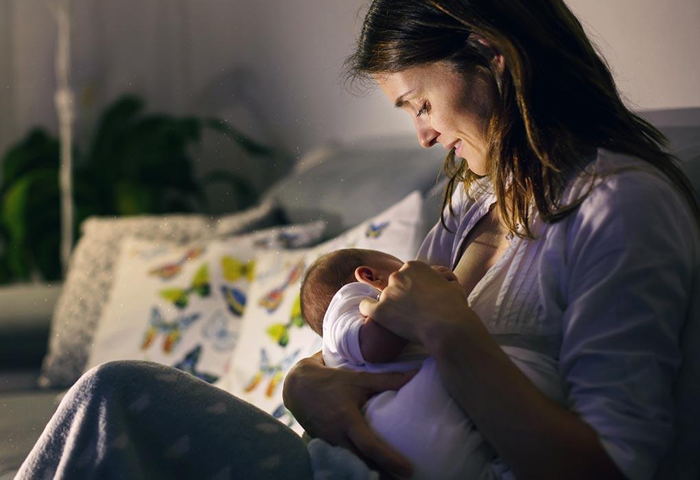 सोने से पहले बच्चे को ज्यादा फीड कराना
