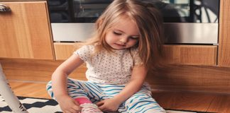 Dressing and Undressing Skills in Your 16 Months Old