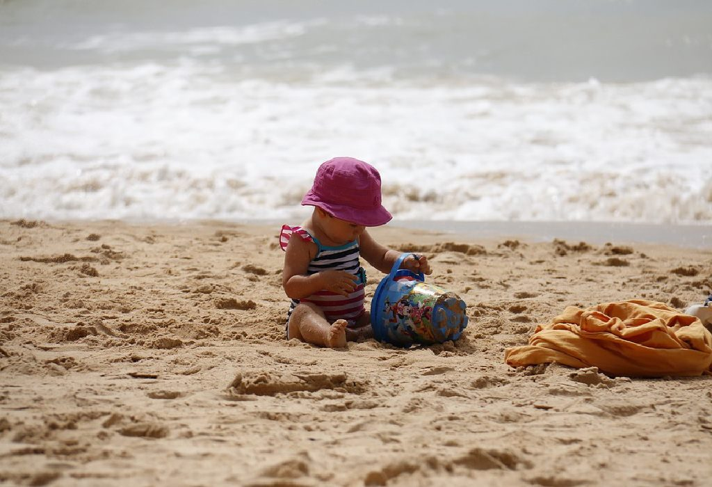 choosing a good swimsuit for babies