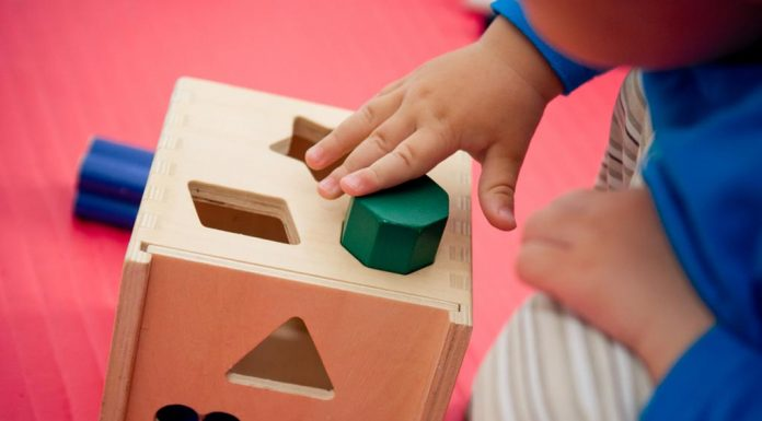 teaching shapes to toddlers