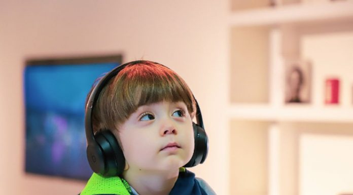 how toddlers learn through music
