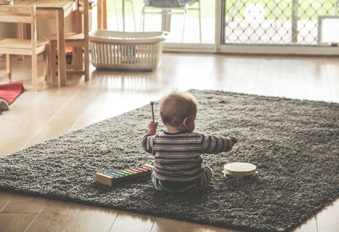 playing with your baby without spending too much