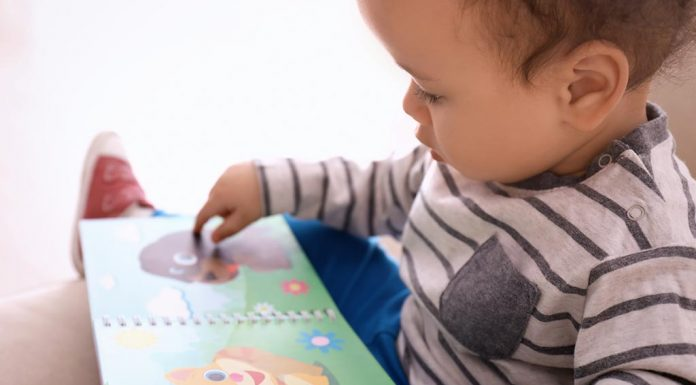 teaching kids to name board book pictures