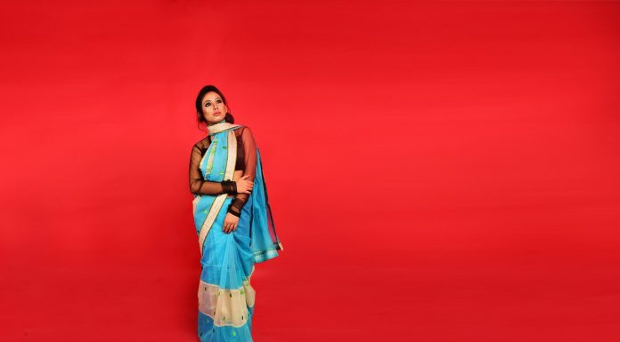 5 Ways to Wear a Saree to Hide Post Pregnancy Weight