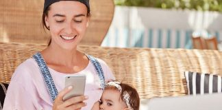 5 Reasons to Avoid Using Your Mobile Phone While Breastfeeding