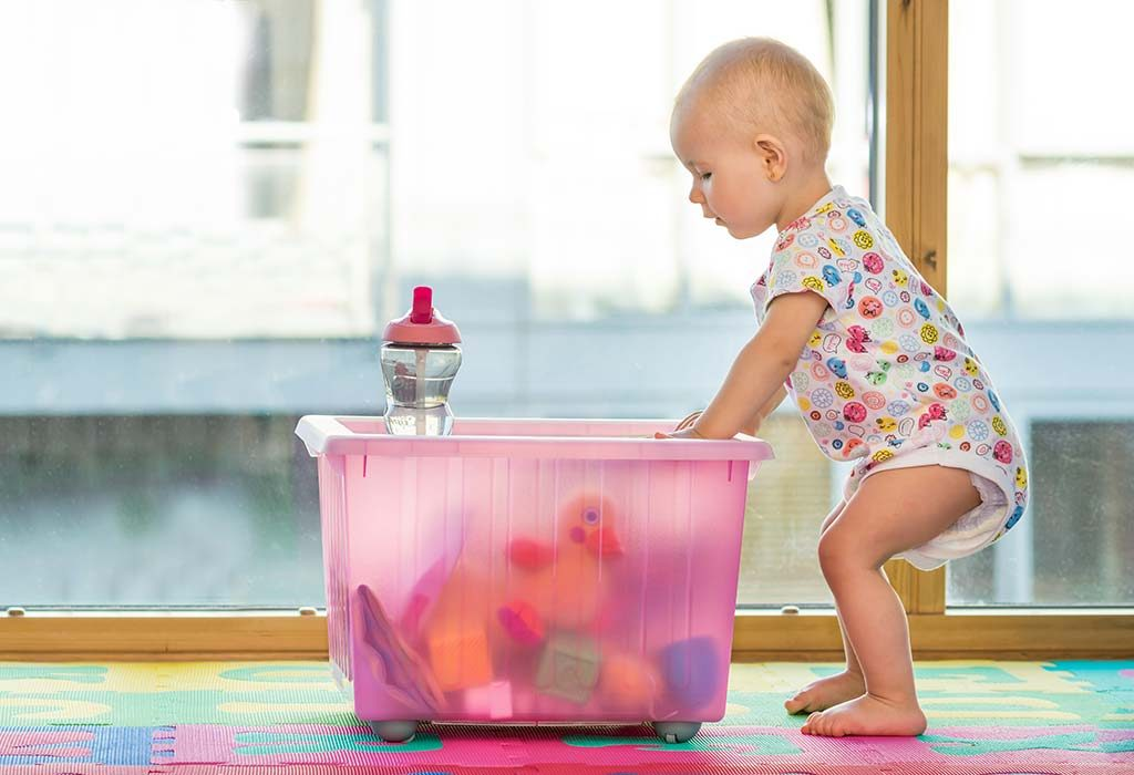 Your baby will be able to fill up empty boxes and containers