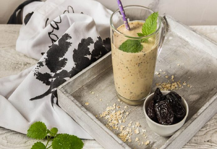 Prune-Apple Smoothie
