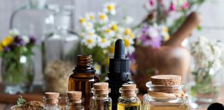 7 Essential Oils That Will Take Years Off Your Ageing Skin