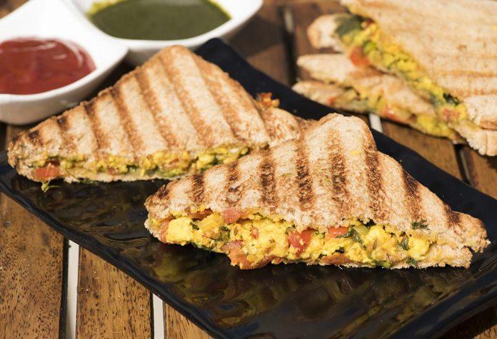 paneer-bhurji grilled sandwich recipe