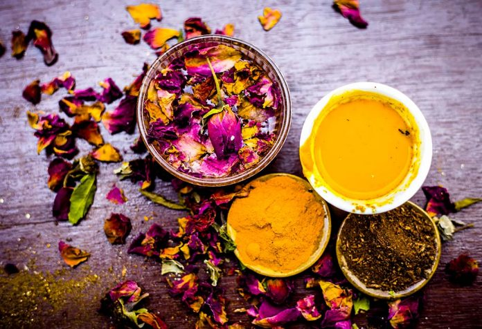 Homemade bleaching face packs to brighten your skin naturally