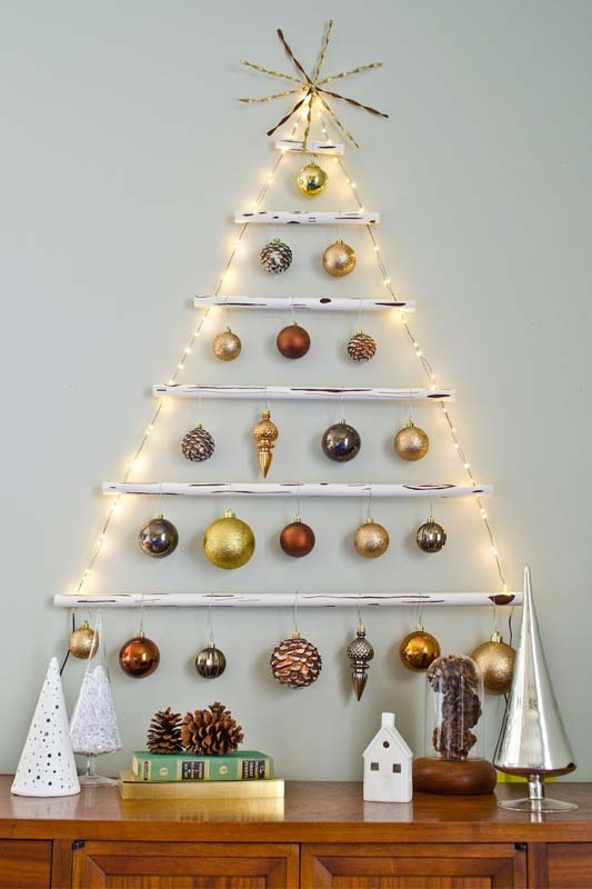 Wall-Mounted Wooden Christmas Tree
