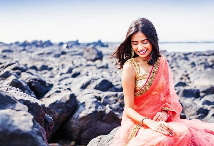 7 Tips to Look Slim in a Sari and Rock Your Next Party Look!