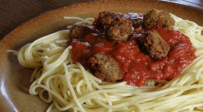 Spaghetti with meat balls and sauce