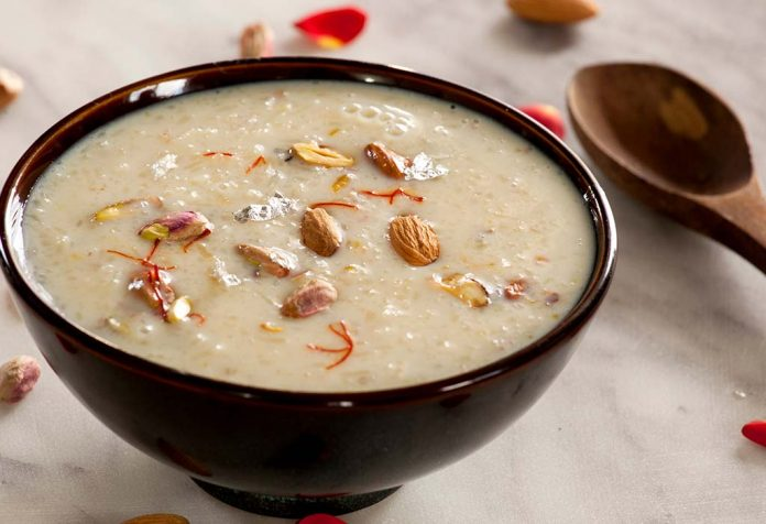 Suji kheer with banana and almonds Recipe