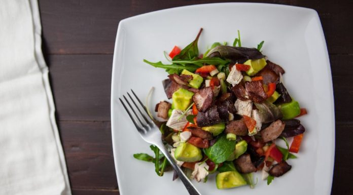 Cucumber and tofu salad with tomatoes