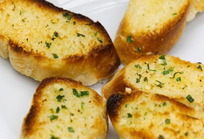 #ItalianLove Toasty Garlic Bread