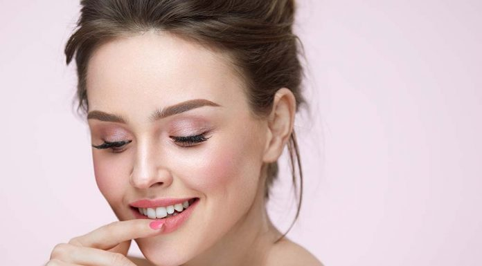 10 Effective Home Remedies for Pink Lips