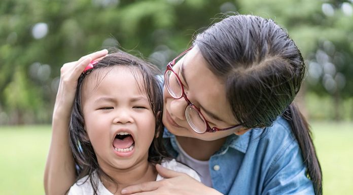 20 Soothing Things to Say Instead of 'Stop Crying!' to Kids