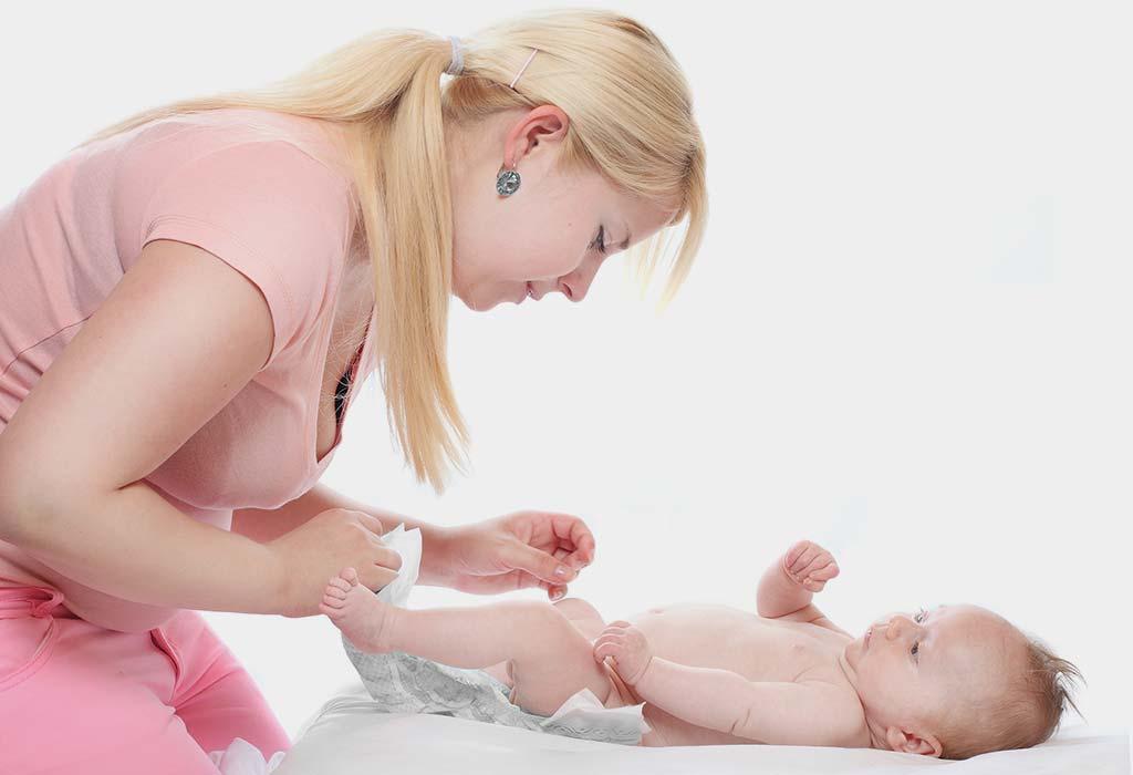 बाळांमधील अतिसारावर (जुलाब) १५ घरगुती उपाय