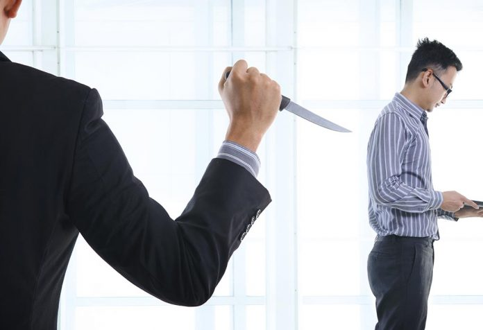10 Tips to Deal with Office Politics
