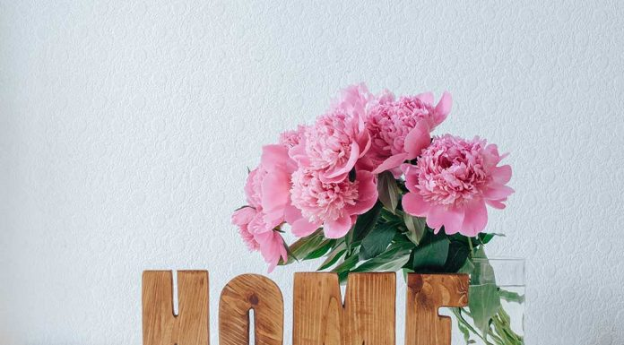 20 Amazing Ways to Decorate Home with Flowers