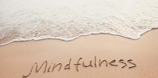 Mindfulness Meditation - Choose to be in Present to Change Your Life for Better