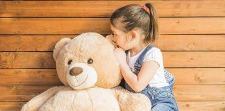 Handy Tips for Washing a Teddy Bear at Home Easily