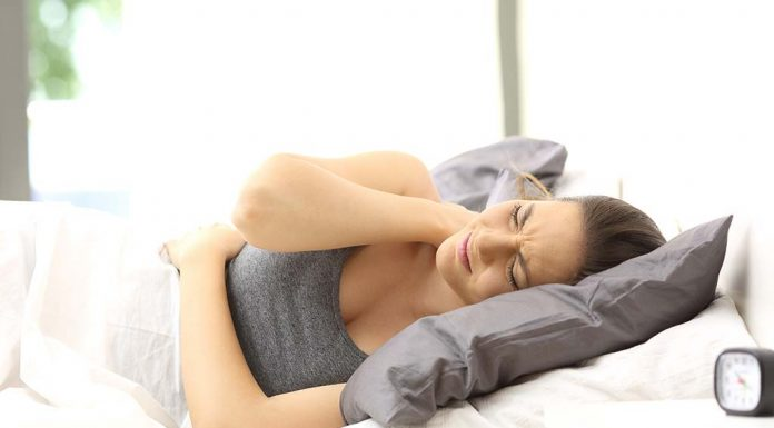Neck Pain after Sleeping - Causes and Tips to Ease