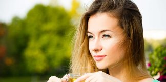 Shed Kilos and Get a Flat Belly By Drinking Green Tea