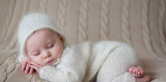 How to Dress Your Baby for the First Winter- From a Mom's Diary