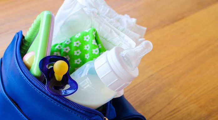 What to Keep in Your Baby's Diaper Bag