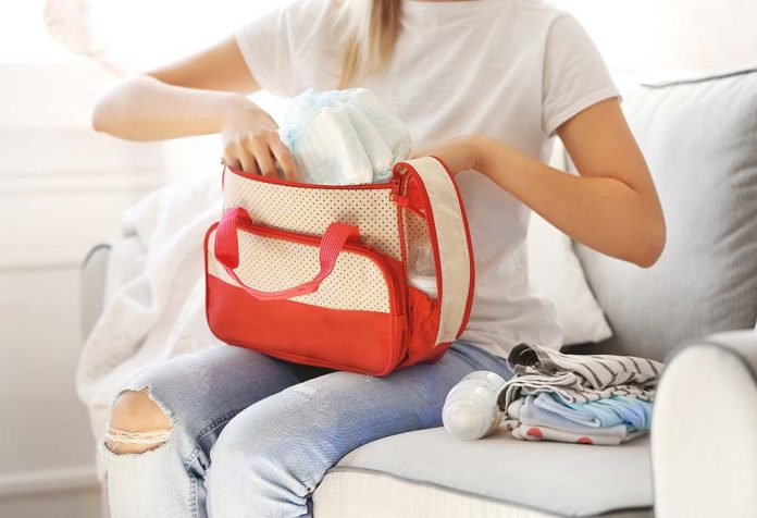 Diaper Bag Essentials - A Guide for All New Mothers Out There