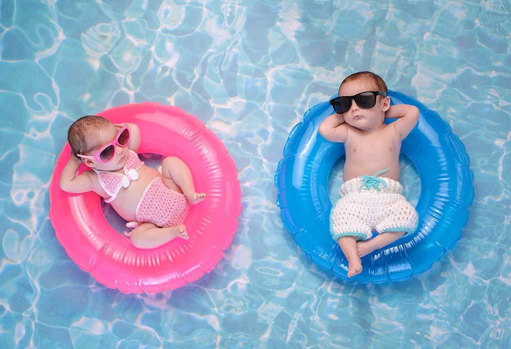 जुड़वां बच्चों को नहलाने के लिए जरूरी चीजें